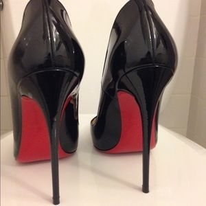 Louboutin Classic So Kate perfection